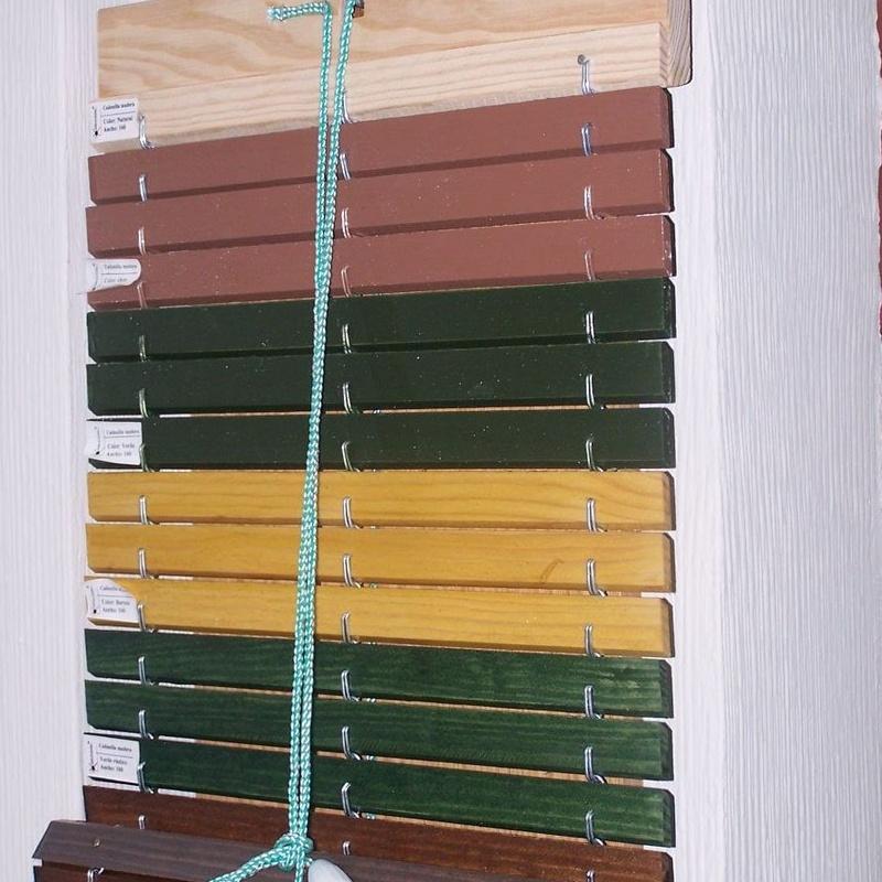 Persiana enrollable cadenilla PVC y Madera: Catálogo de persianas de Persianas Aluplas