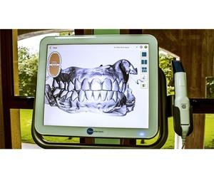 Primera clínica dental en A Coruña con escáner Itero Invisalign