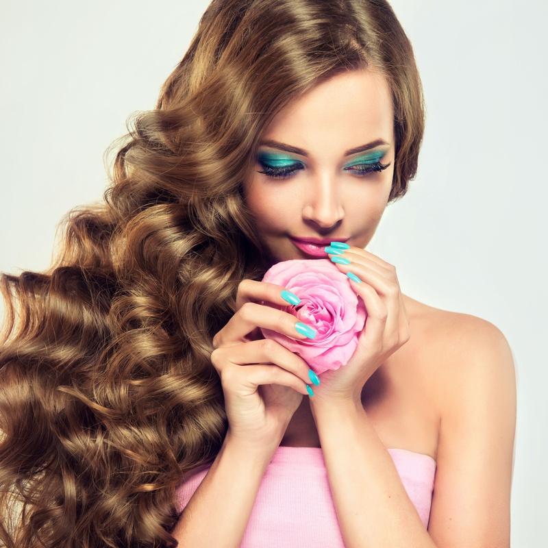 Gel nails: Servicios de Fusión Unisex Hairdressers