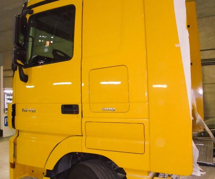 Reparación de carrocería en vehículos industriales: Servicios de Innovacar Tenerife