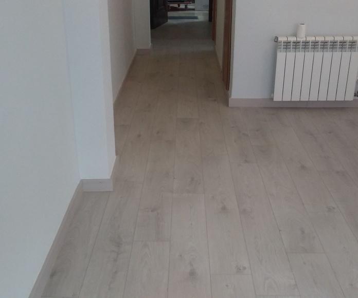 Instalando Suelo Laminado- tarima flotante- parquet- suelo de madera- pavimento ligero- www.instaladordetarima.com- Instalador de suelo laminado en la Costa del Sol y el Campo de Gibraltar- Móvil: 684 222 222