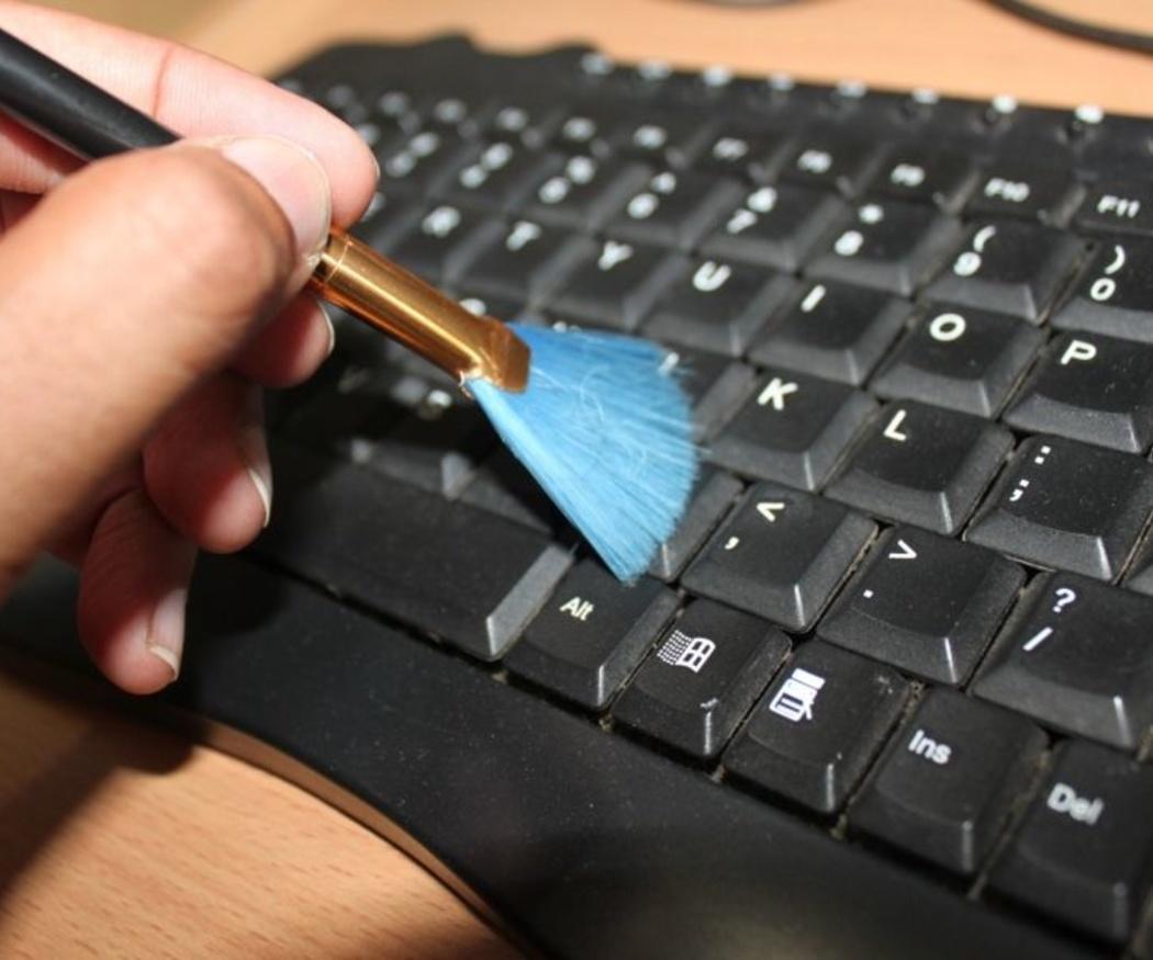 Cómo limpiar los ordenadores en la oficina