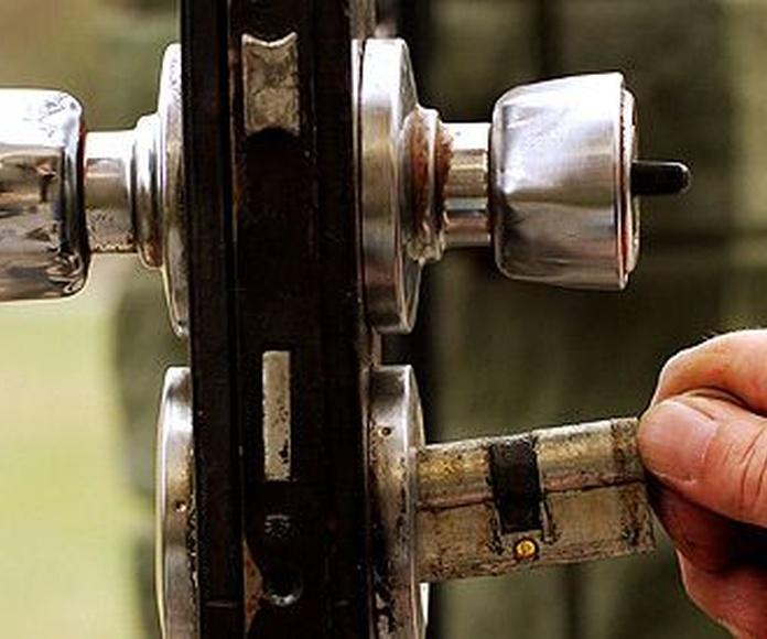 Cerrajería urgente: Servicios de Reparaciones Anki