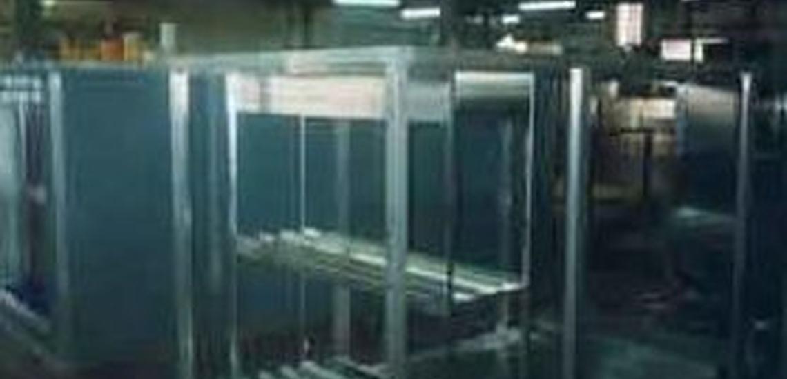 Cajas de ventilación en l'Eixample, Barcelona, y depurador para humos y gases de fundición