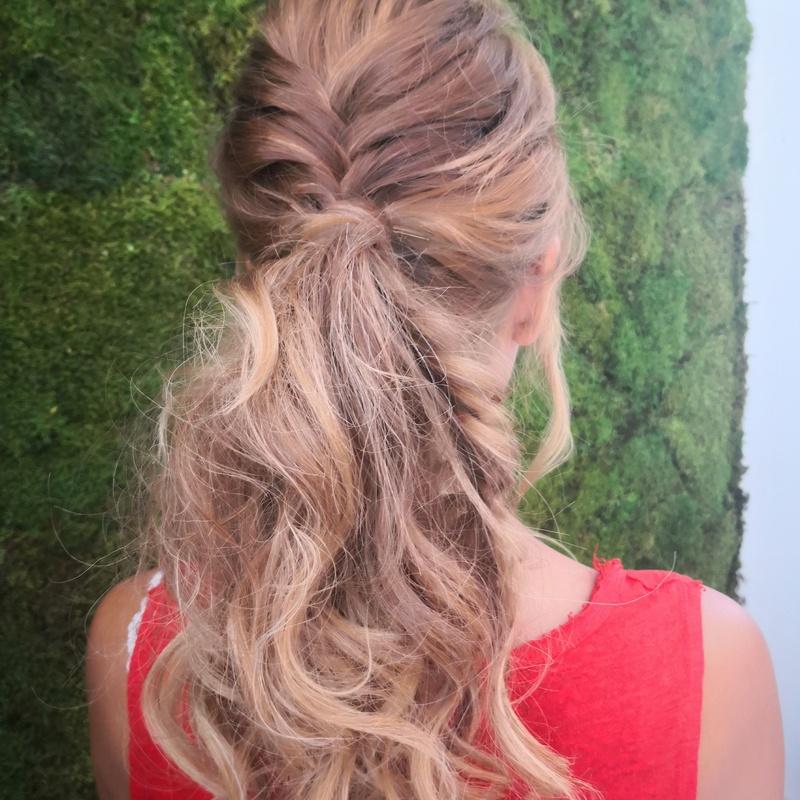 Recogidos: Catálogo de Isabela Hair & Beauty