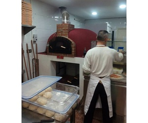 Pizzería con horno de leña en Massamagrell