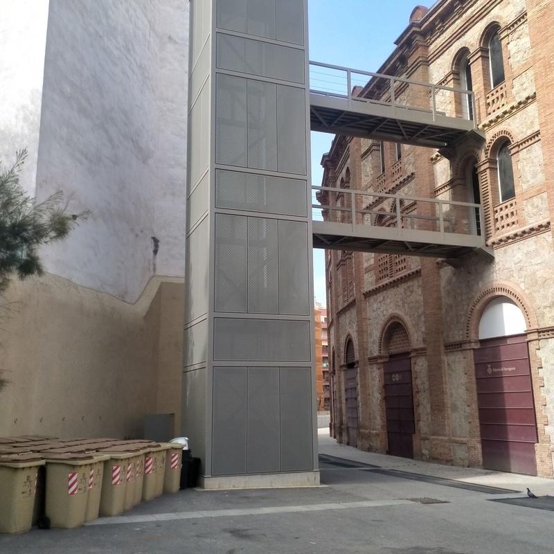 Estructura metalica para Montacargas con pasarela Plaza toros Tarragona.: Trabajos realizados de Global Metall, S.C.P.