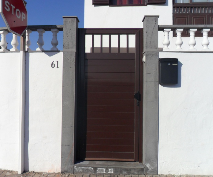 Puertas y cancelas: Productos y servicios de IndusPHal, S.L.