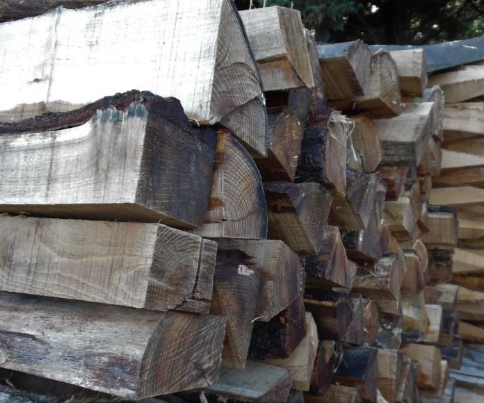 Estacas de acacia: Catálogo de Maderas Aguirre