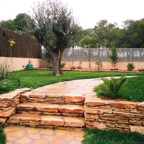 Trabajos en piedra para jardines en Valencia
