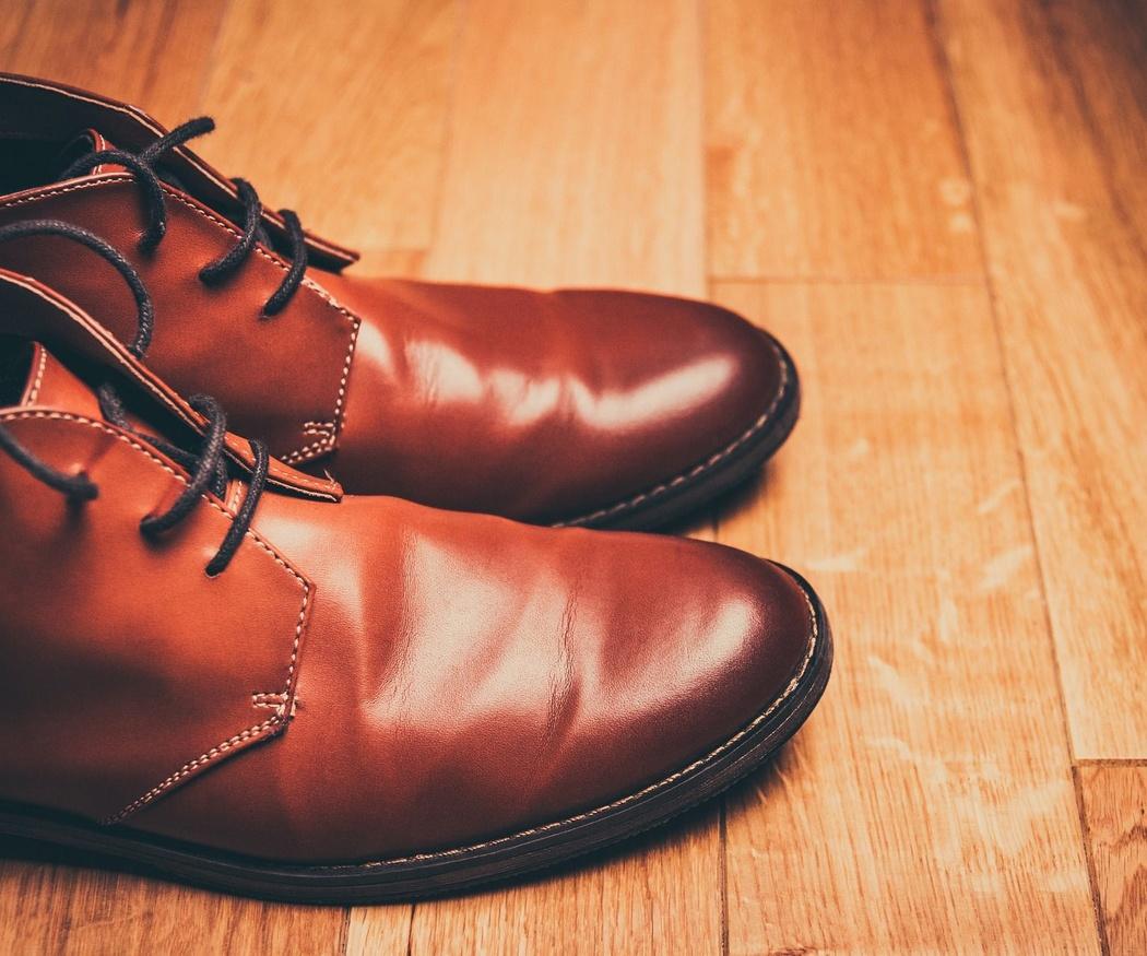 Mantenimiento y limpieza del zapato de caballero