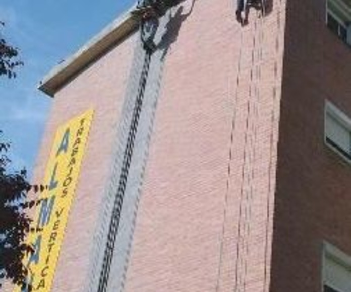 trabajos verticales en fachada