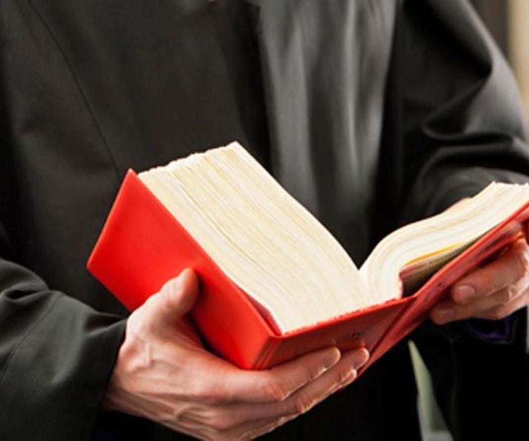 Qué debes saber antes de contratar a un abogado