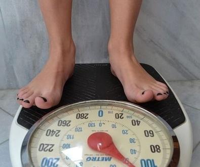 Guía del NICE para el manejo del sobrepeso y la obesidad en adultos – servicios de intervención en e