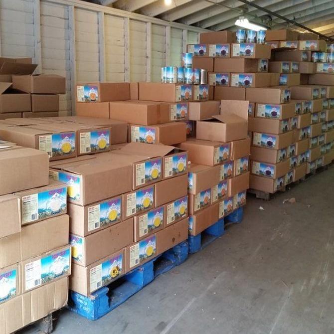 Ventajas de ordenar el almacén con palets