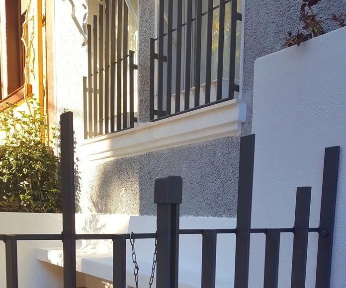 puerta peatonal en hierro para vivienda pareada en Bilbao