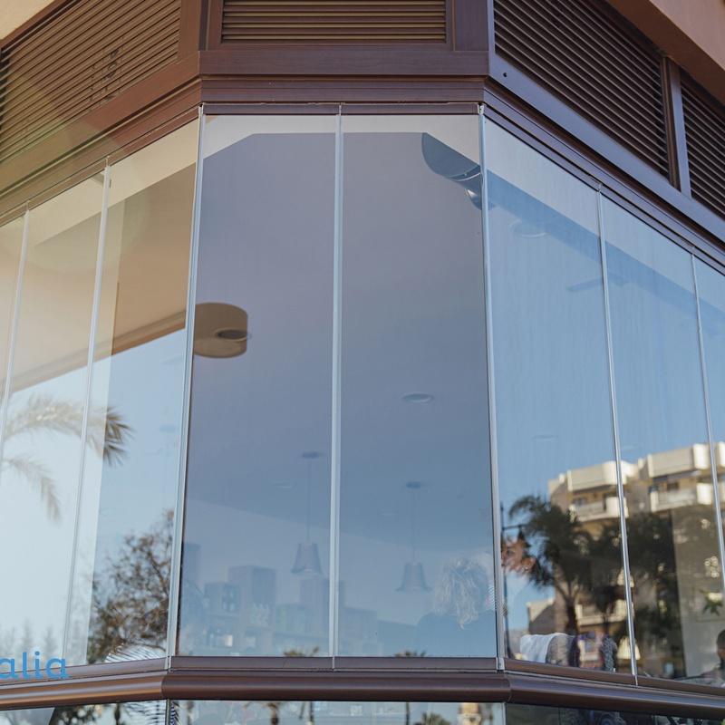 Cortinas de cristal: Productos y servicios de Alusan López