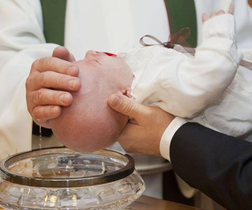 Cómo elegir ropa para el bautizo