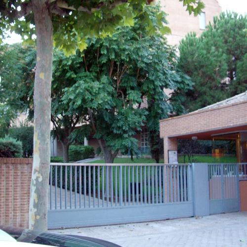 Auxiliares de servicio para urbanizaciones en Madrid
