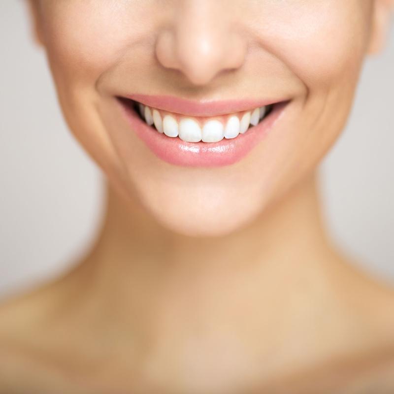 Estética dental: Servicios de Clínica Especialidades Dentales