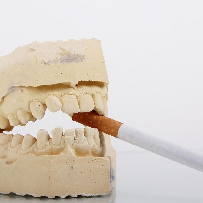 Fumar y mantener los dientes blancos es posible