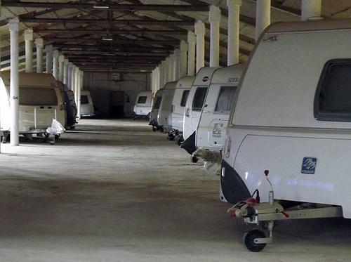 Parking cubierto de caravanas en Tarragona