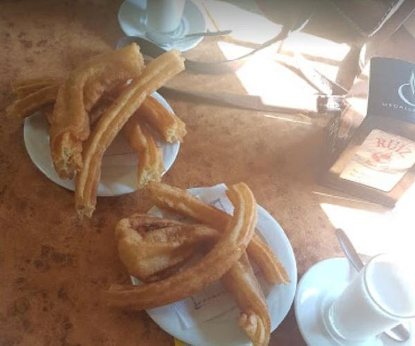 Dónde desayunar churros y porras en Cáceres