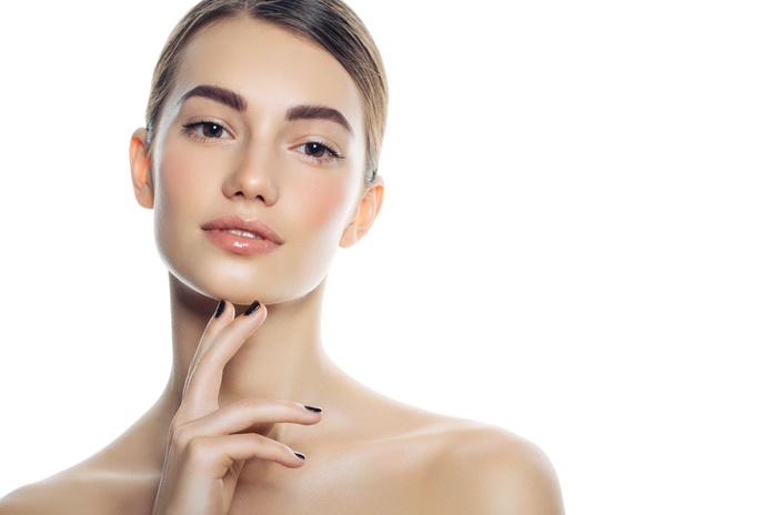 Tinte de cejas: Centro de estética de O Makeup Studio
