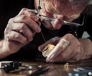 Reparación integral de relojes de sobremesa, antiguos y de torre