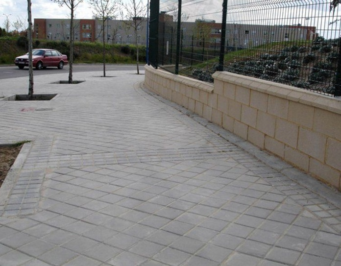 Pavimento Hidráulico / Pavimento Táctil: Productos de Prefabricados Ponce