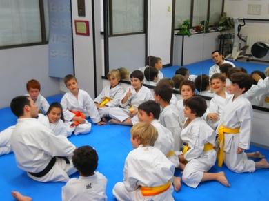 KARATE: Iniciación al combate o kumite