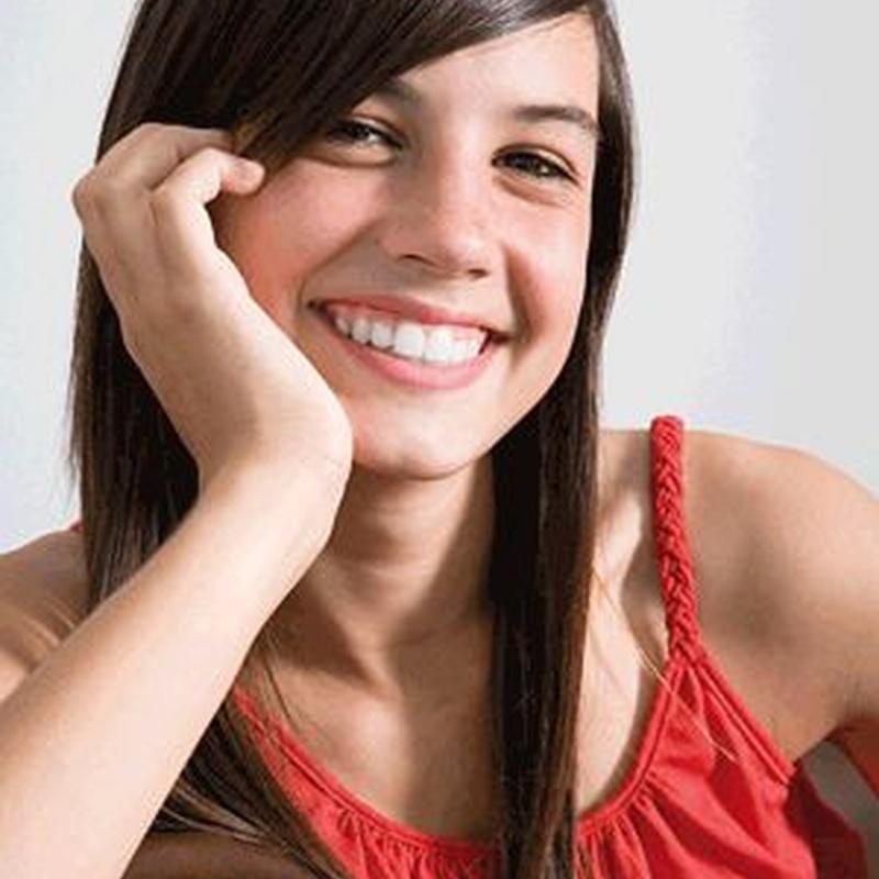 Adolescentes : Especialidades  de Clínica de Ortodoncia Dr. Mariano Núñez