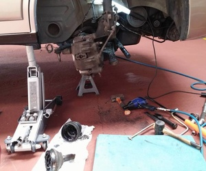 Diagnosis, revisiones y reparaciones de mecánica y electricidad en Valladolid - Taller de automóviles en Valladolid