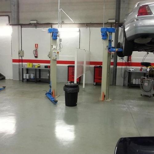 Servicio integral de reparación de automóvil