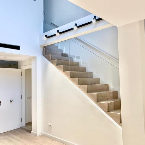 Escaleras con estilo realizada por Jorkitres