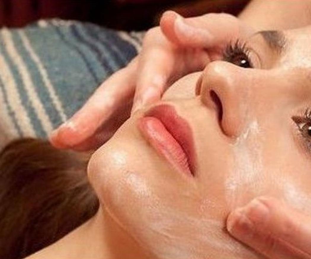Los mejores tratamientos faciales para el verano
