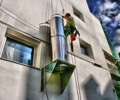 Instalación de salidas de extracción y salidas de humos en Torrelavega-Santander.