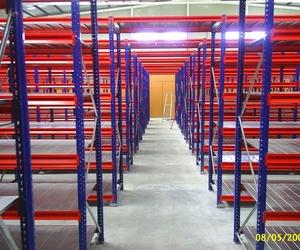 Estantería media carga para almacenaje en A Coruña