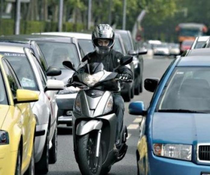Seguro de Asistencia en Viaje Arag Turismos y Motos: Servicios de Pons & Gómez Corredoria d'Assegurances