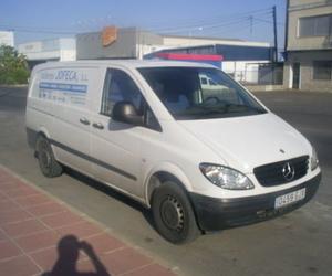 Trabajamos con turismos y vehículos industriales