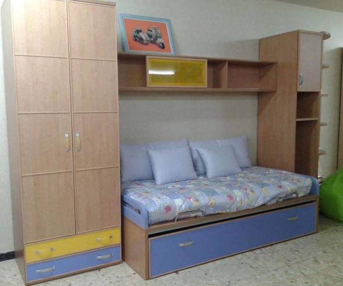 Composición modular, color único 800 €