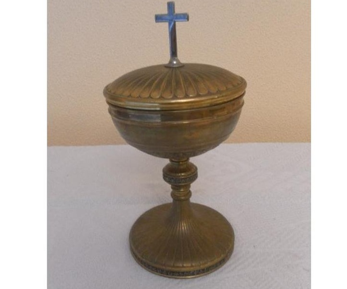 Antiguo cáliz de latón: Catálogo de Antiga Compra-Venta