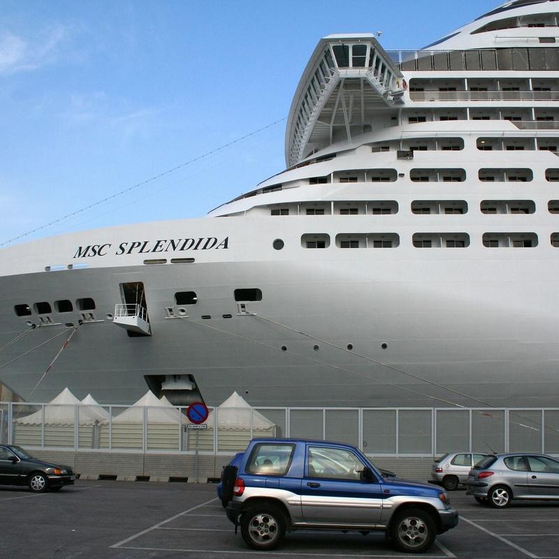 Puerto de Barcelona: Servicios de Taxis Bages