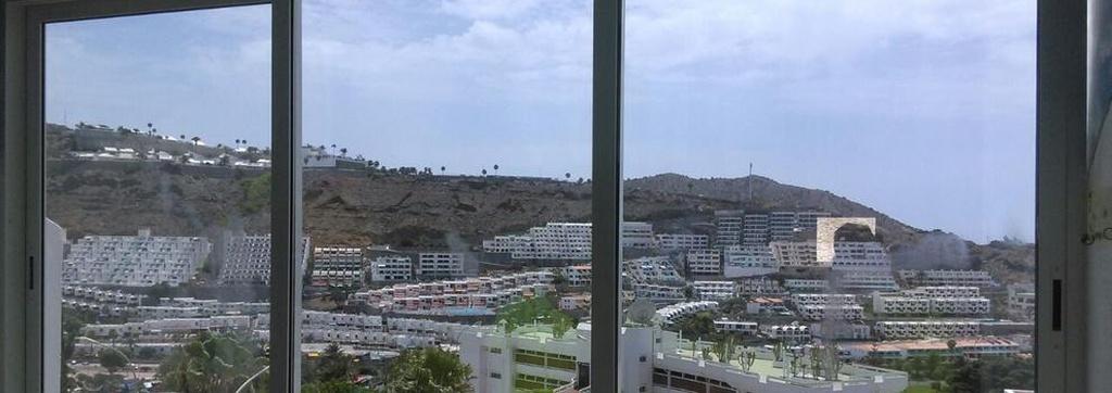 Puertas de aluminio Las Palmas de Gran Canaria | Aluminios Santafé