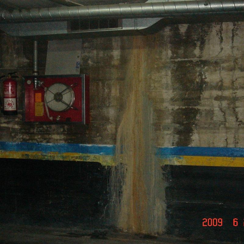 Estudio hidrogeológico para el complemento de un dictamen de patologías en el sótano de un edificio plurifamiliar entre medianeras en la C/Madrazo, 114. TM Barcelona (Barcelona).