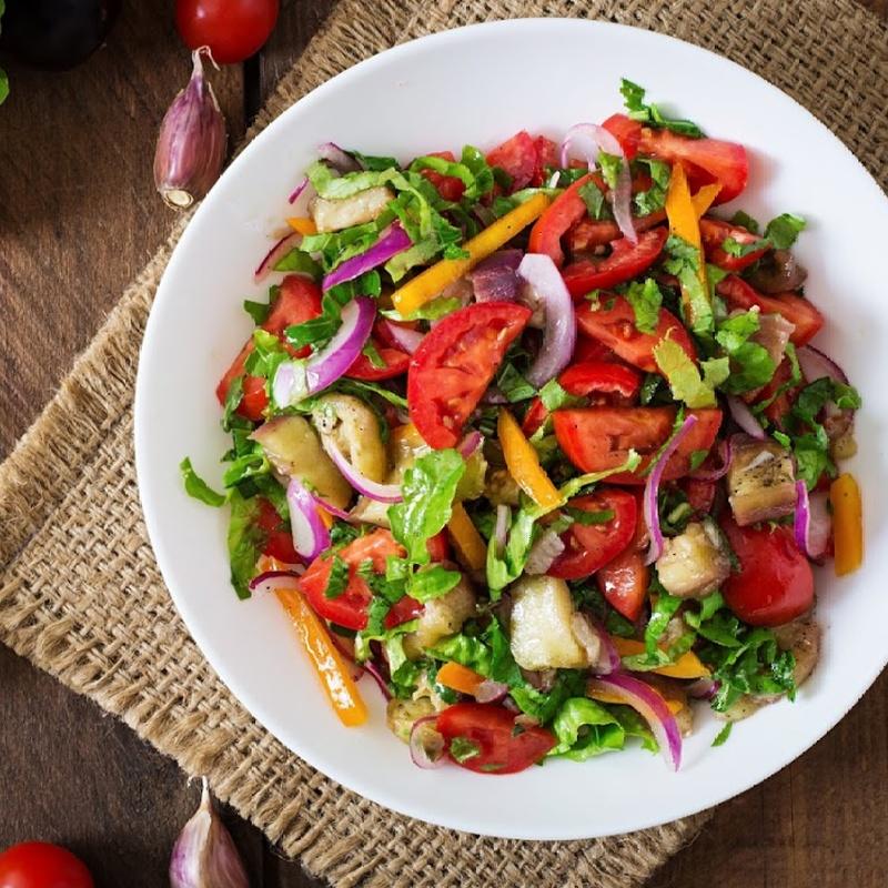 10.Ensalada de verdura: Carta y menús de Yoshino