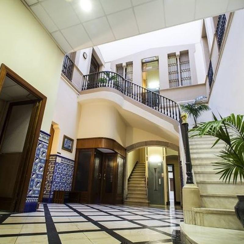 Ambiente acogedor y atención 24 horas: Instalaciones de Residencia Universitaria Elisabets