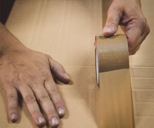 Servicios de enmarcaciones a medida y de moldura cortada en Barcelona