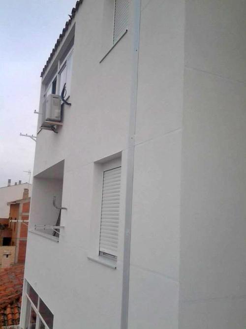 Fachada terminada en El Burgo de Ebro