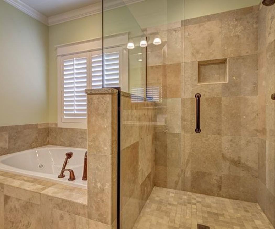 Diferentes modelos de mamparas para baño y ducha